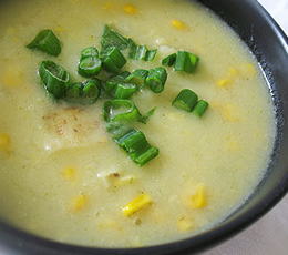simple green curry potato and corn soup
