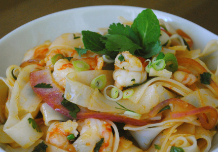 spicy shrimp with rice noodles